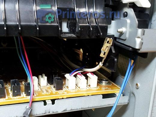 HP P2055 белый провод на печь