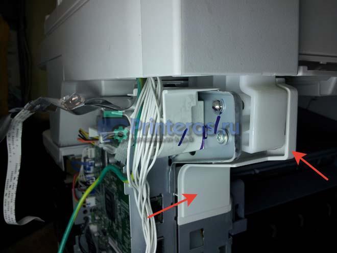 снятие пластика закрывающего петли крепления сканера OKI 441