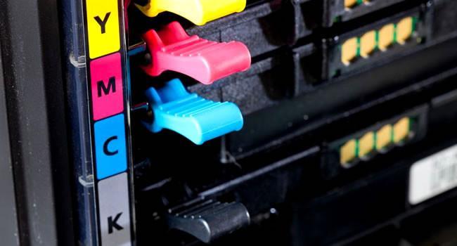Картриджи установленные в принтер
