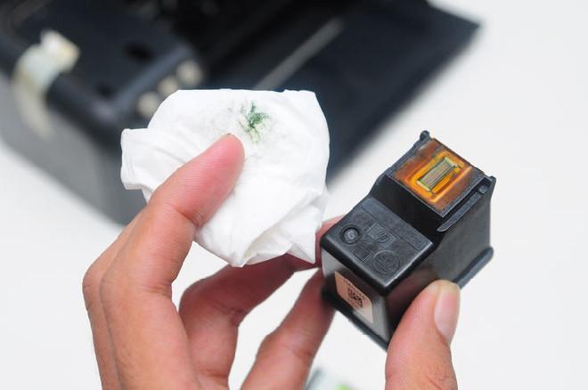 Фотография засохшего картриджа, который не печатает после заправки