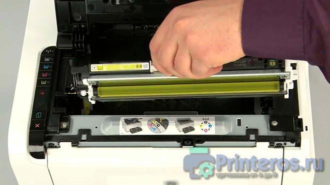 Процесс извлечения картриджа,, если не печатает принтер