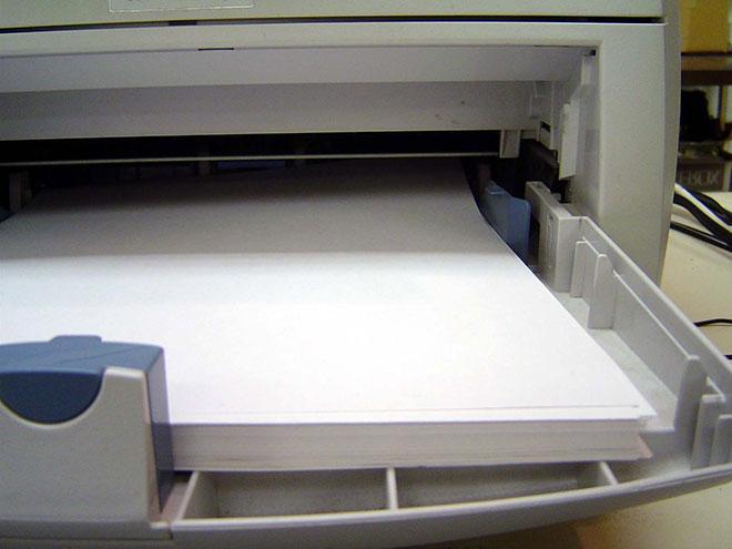 Принтер, захватывающий по несколько листов